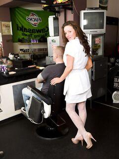 Голодная парикмахерша