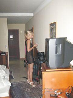 Блондинка порадовала свои дырочки игрушками и анальным сексом - секс порно фото