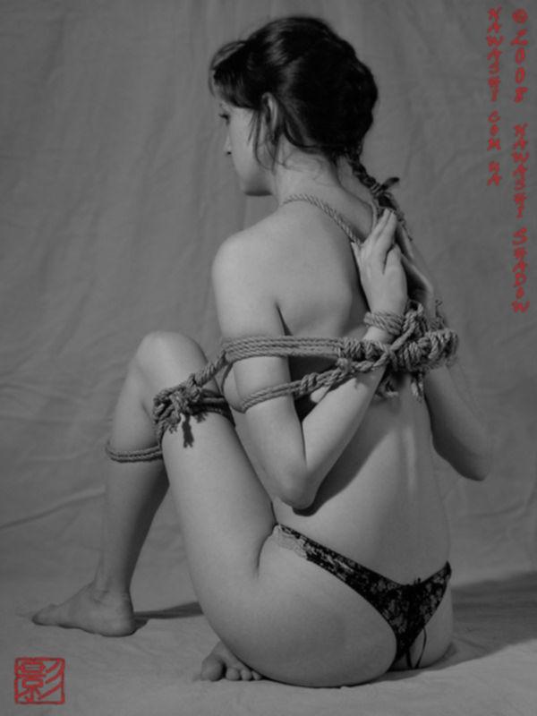 Худощавая девушка с маленькой грудью