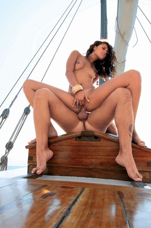 Оргия в открытом море