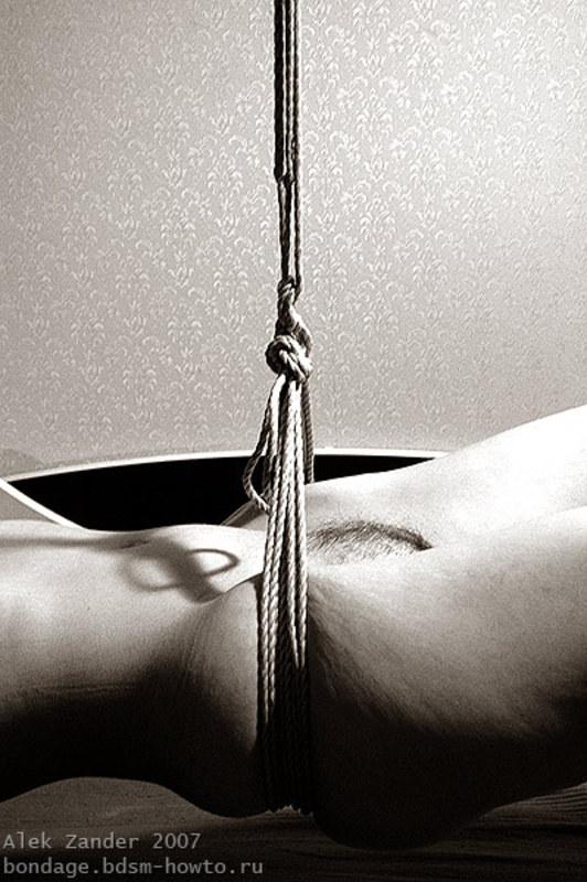 Бондаж, связывание веревкой №687