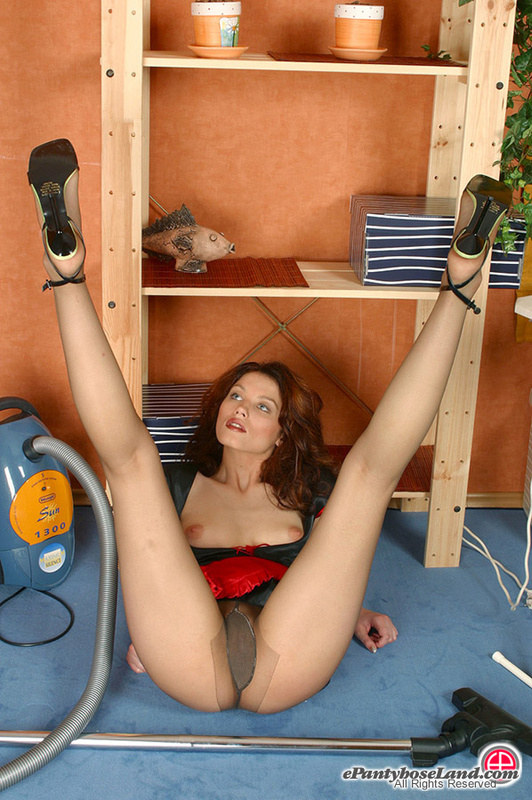 Порно фото девчонок в колготках - порой они даже без трусиков