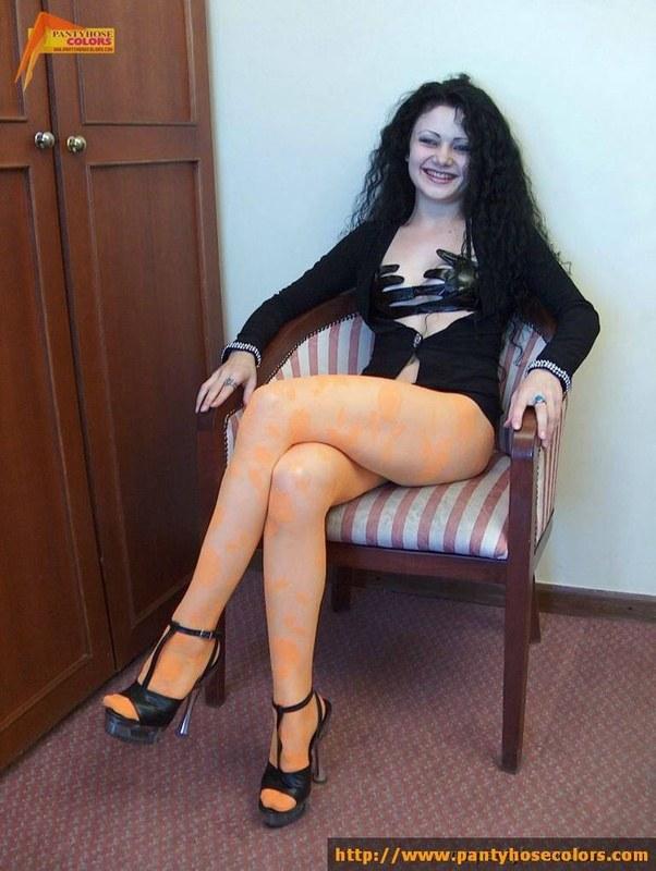 Подборка сексуальных баб, носящих чулочки и колготки
