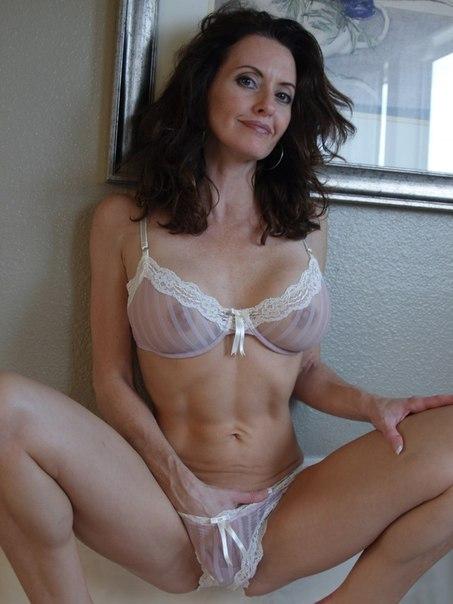 Письки и попы зрелых дам крупным планом - секс порно фото