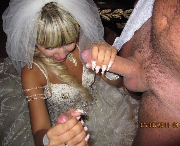 Подборка сексуальных похождений украинской блондинки после свадьбы - секс порно фото