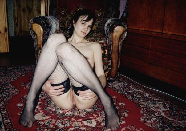 Стройные девушки с волосатыми вагинами позируют дома - секс порно фото