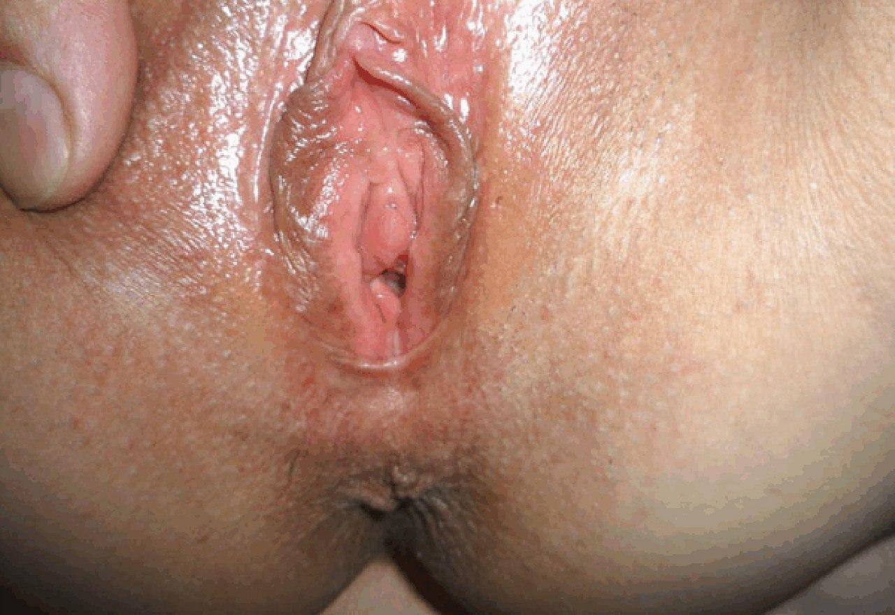 Девушки показывают свои киски очень близко и мастурбируют - секс порно фото